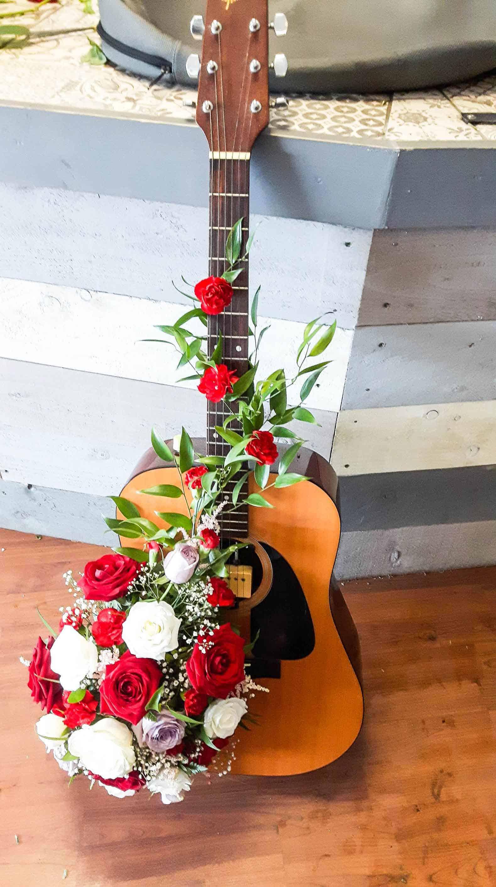 Rosebuds_flowers_Torquay_guitar