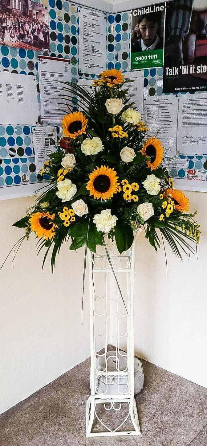 Rosebuds_flowers_torquay_church_8