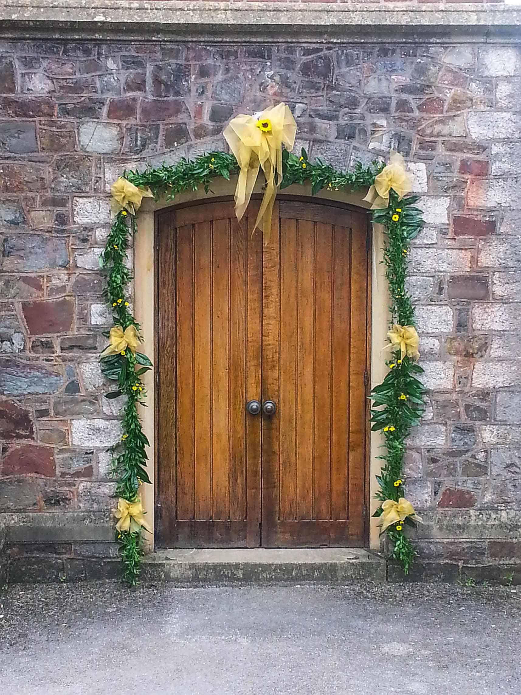 Rosebuds_flowers_torquay_door