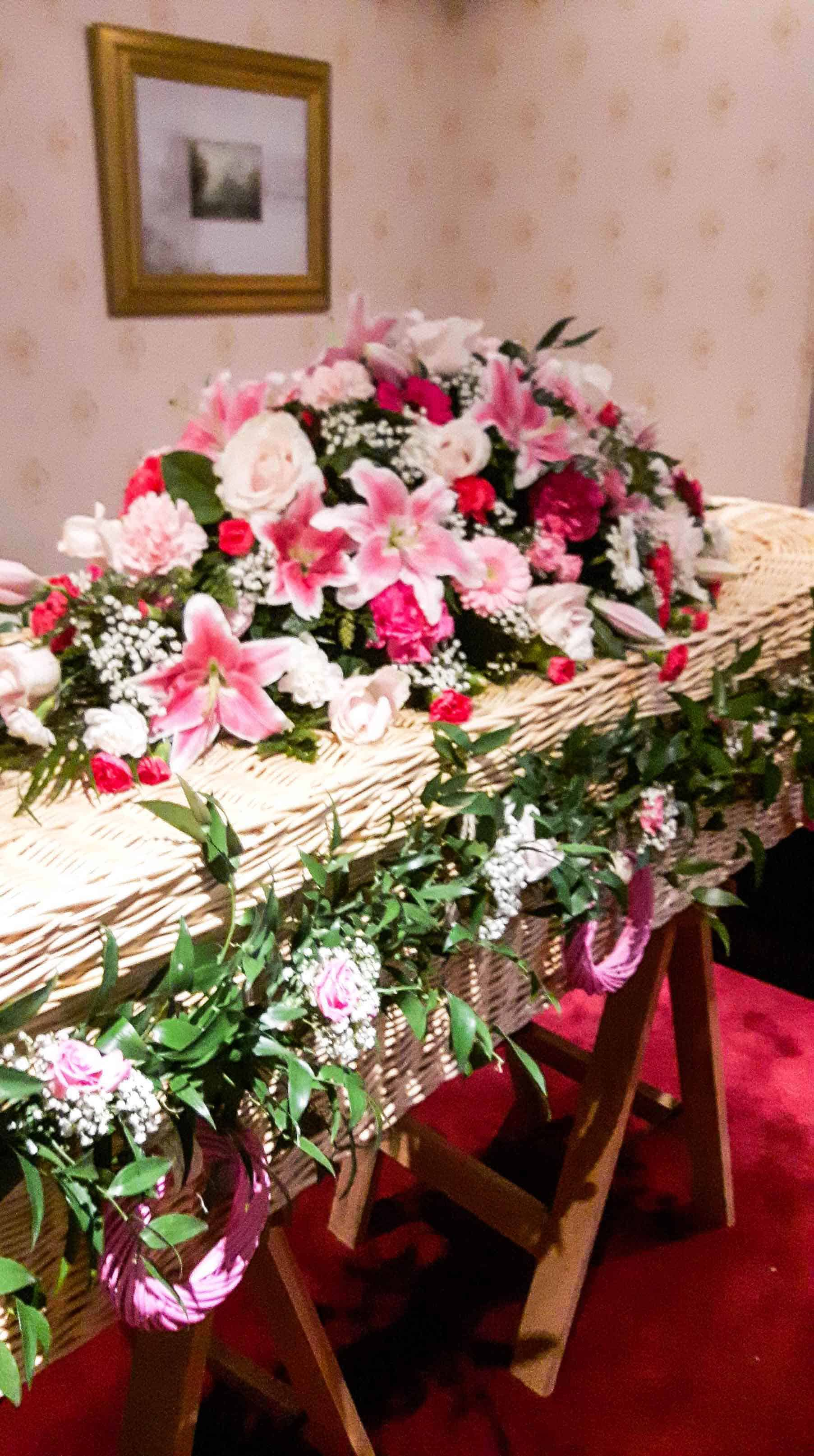 Rosebuds_flowers_torquay_funeral_4