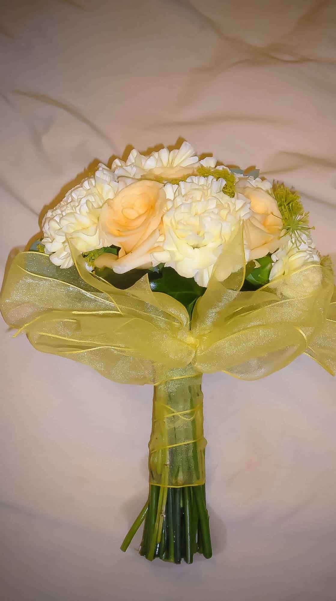 Rosebuds_flowers_torquay_hand_7