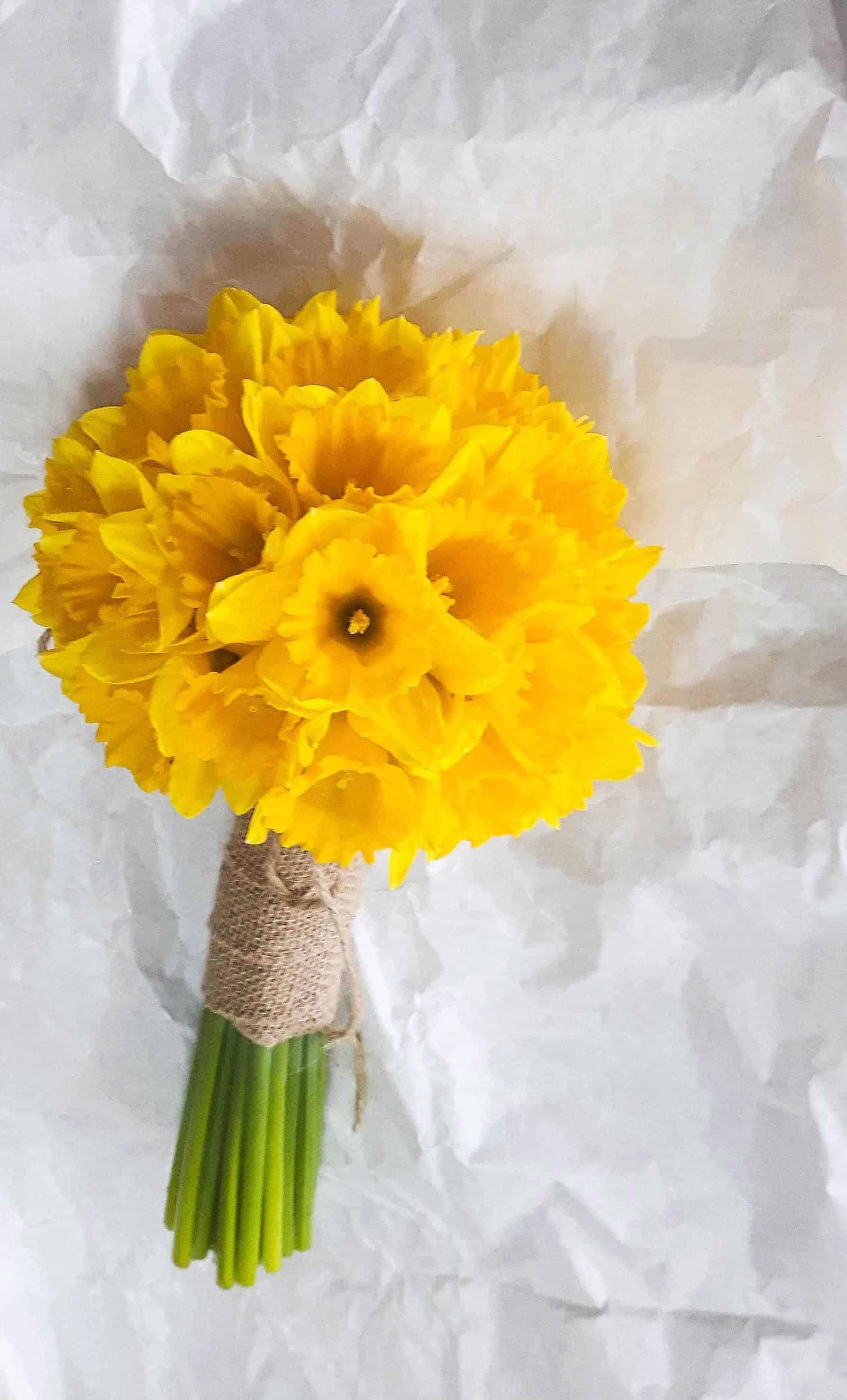Rosebuds_flowers_torquay_table_9